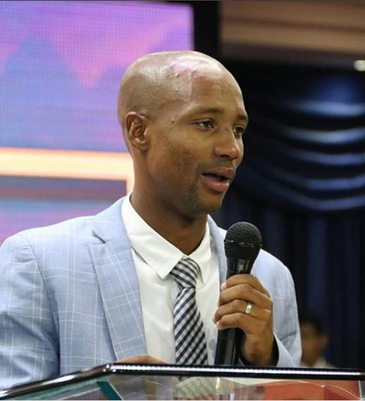 Pastor Roscoe